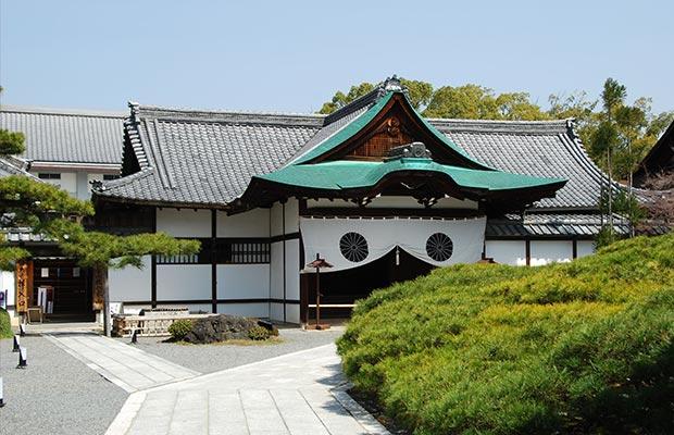 วัดไดคะคุจิ (Daikakuji Temple)