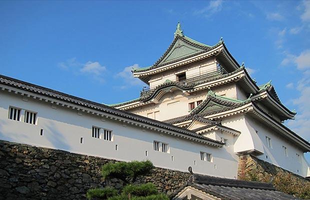 ปราสาทวะคะยะมะ (Wakayama Castle)