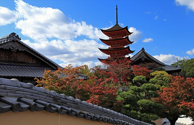ศาลเจ้ามิยะจิมะและอิทสึคุชิมะ(Miyajima・Itsukushima Shrine)