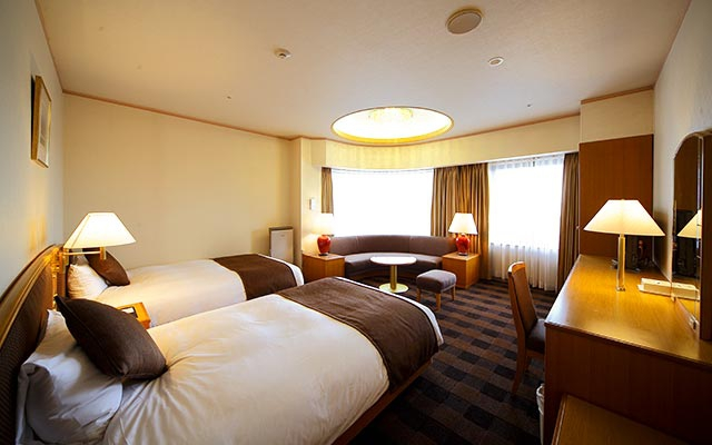 Semi Suite Room